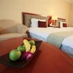 Guest Room Evergreeen Laurel Hotel